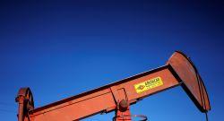 Preços do petróleo atingem máximas em três anos com oferta limitada